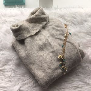 Aritzia Gray Plutarch sweater turtleneck sz sm